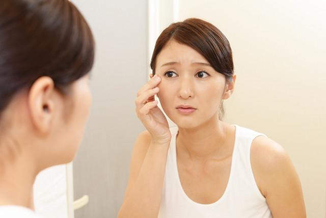加齢による肌の老化が肌トラブルの原因